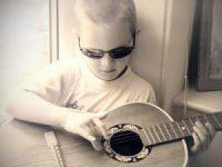 kid-guitar-01-300x225-1